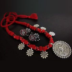 EcoHindu-Red-Thread-Oxidize-Necklace-Handmade-Oxidize-Jewellery-28September