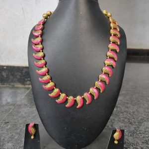 TERRACOTTA HANDMADE DESIGNER Traditional JEWELRY Necklace with Earings in Gold with Pink Motiffs