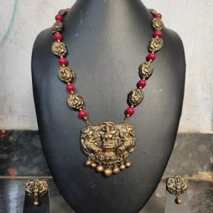 TERRACOTTA HANDMADE DESIGNER Small Size Temple JEWELRY Necklace with Earings in With Devi Laxmi Pendant & Golden & Pink Beads