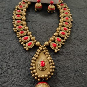 TERRACOTTA HANDMADE DESIGNER Traditional JEWELRY Necklace with Earings in Gold with Pink