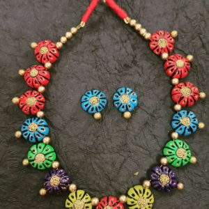 TERRACOTTA HANDMADE INDIAN DESIGNER JEWELRY Necklace with Earrings in Multicoloured Flowers